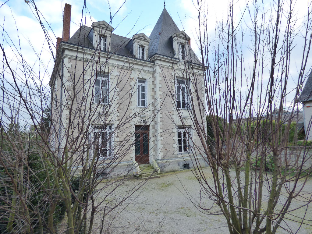 CHATEAUNEUF SUR SARTHE  7 CHAMBRES